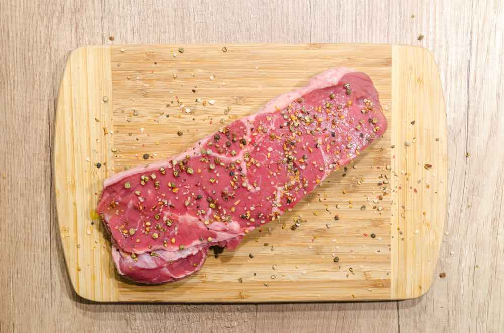 beef chopping board fillet food